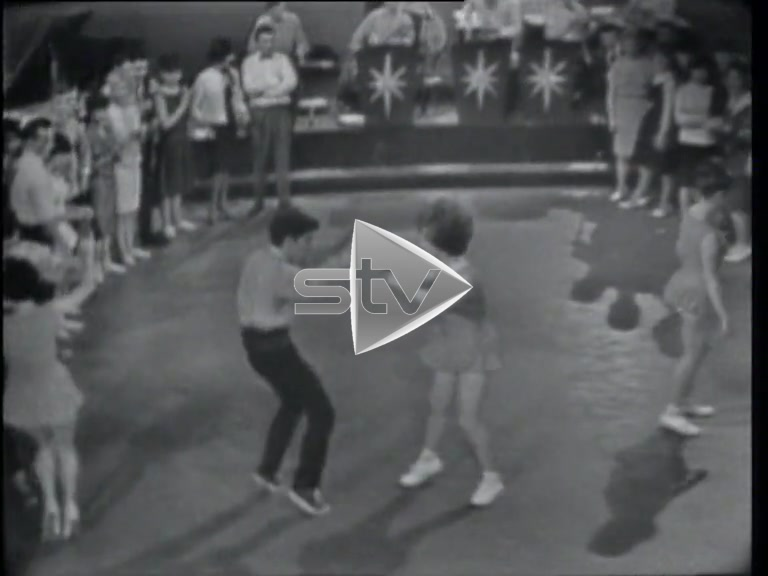 "Studio Downbeat – Dancing ""The Boing"""