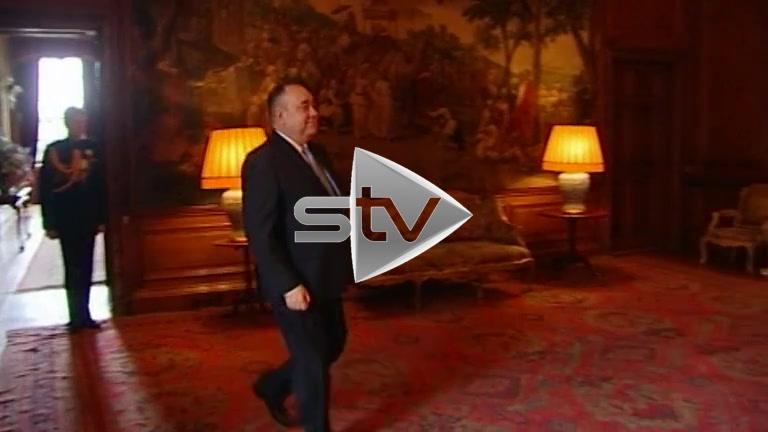 Alex Salmond Meeting the Queen