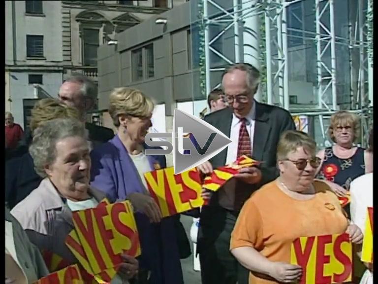 "Devolution Referendum – Donald Dewar ""Yes Yes"" Posters"