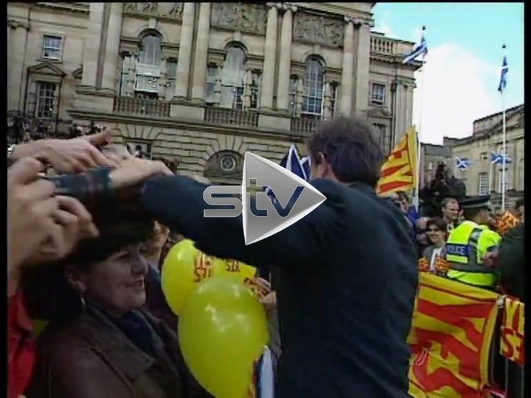 "Devolution Referendum – Tony Blair and Donald Dewar ""Yes Yes"" Victory"