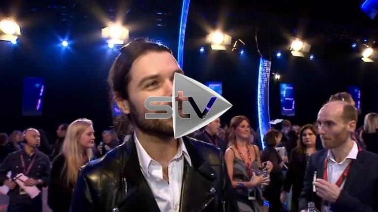 Simon Neil at the 2014 MTV EMAs