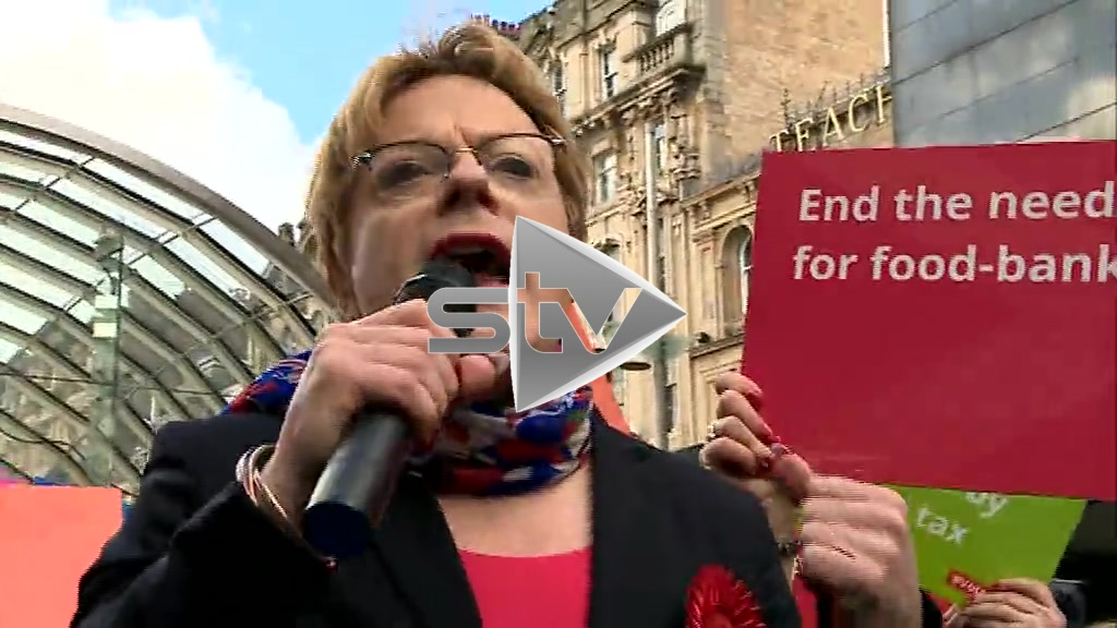 Izzard Campaigning for Labour