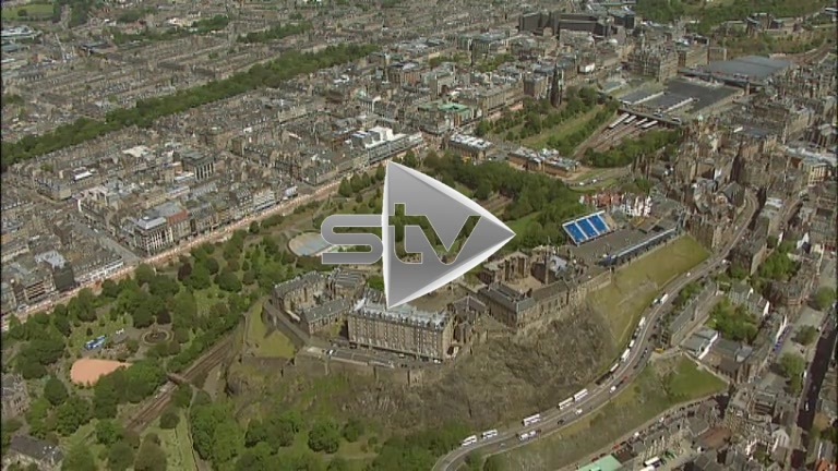 HD Aerials of Edinburgh old/new town & castle