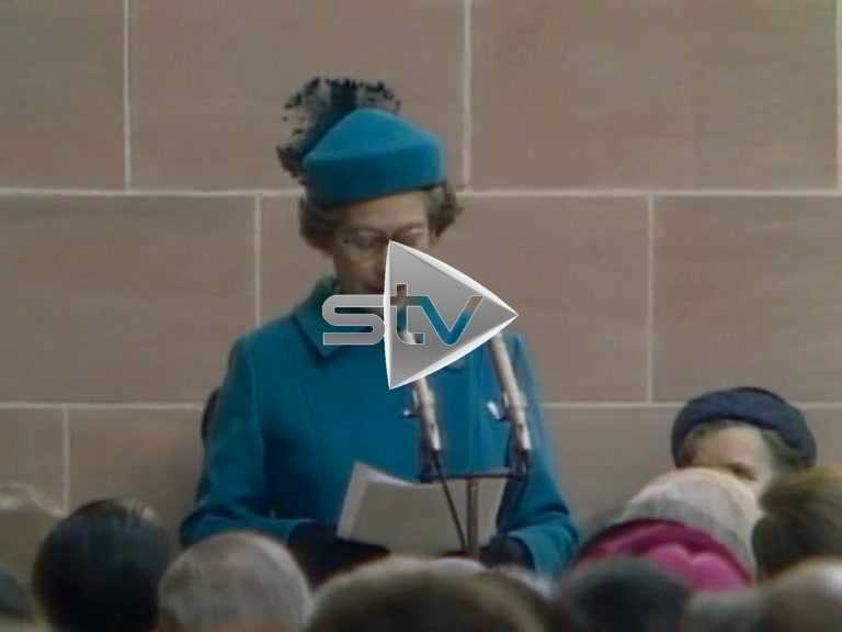 The Queen Opens The Burrell Collection
