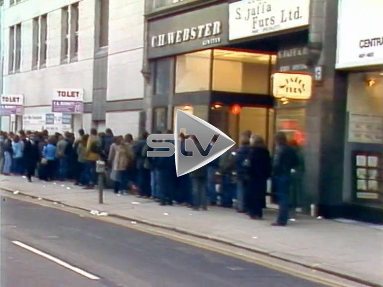 Genesis Concert Crowds