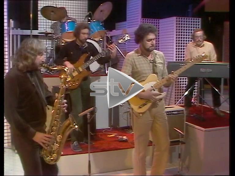 Morrissey/Mullen Band Performance