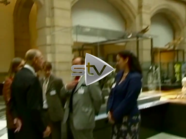The Queen Enjoys the Kelvingrove Art Gallery
