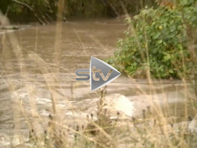 Flooding in Pollok