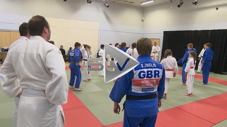 Stephanie Inglis Teaching Judo