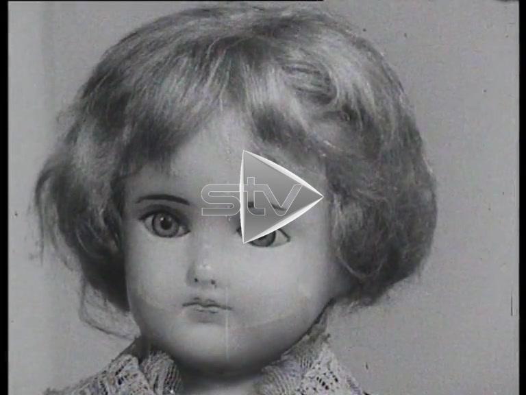Museum of Childhood – Porcelain Dolls -1964