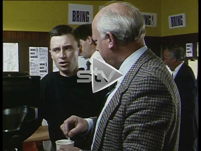 Robert Carlyle – First TV Role 1990